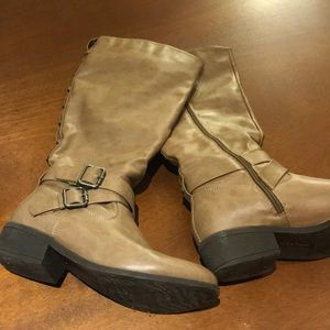 Pink and pepper tan tall boots size 9